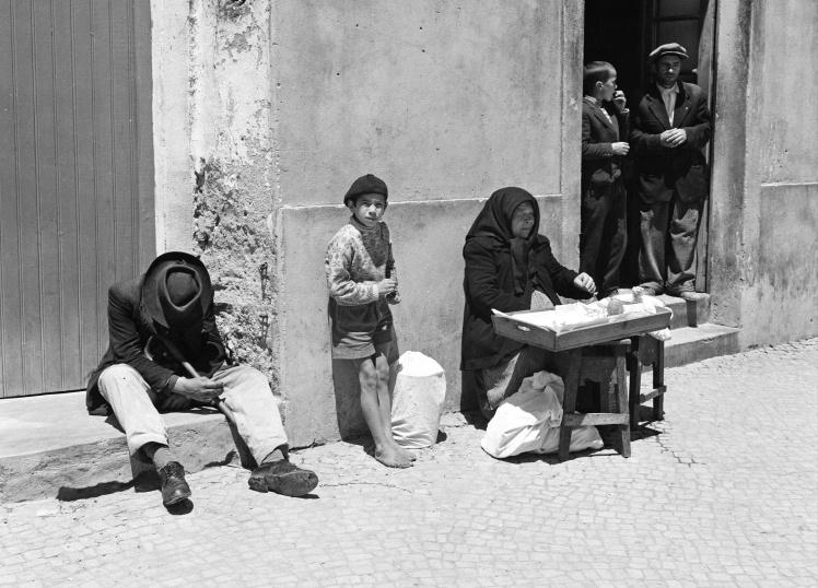 Вулиця в Торре-Ведраш на заході Португалії, 9 червня 1959 року.