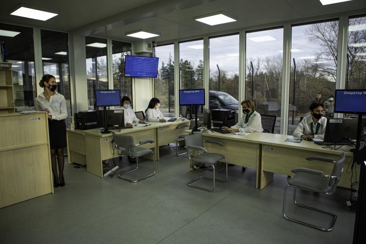 Центр надання адміністративних послуг біля КПВВ «Щастя» в Луганській області, листопад 2020 року.
