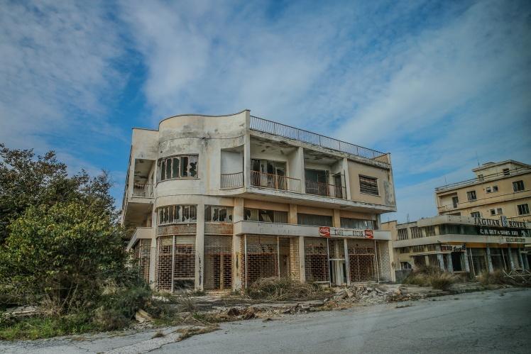 З 1983 року доступ у Варошу дозволений тільки турецьким військовим;15 лютого 2020 року.