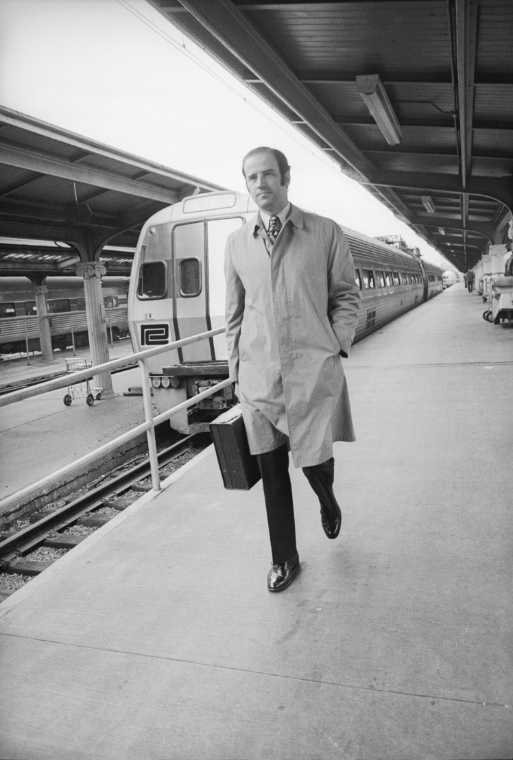 Байден всегда ездил на работу в Сенат на поезде.