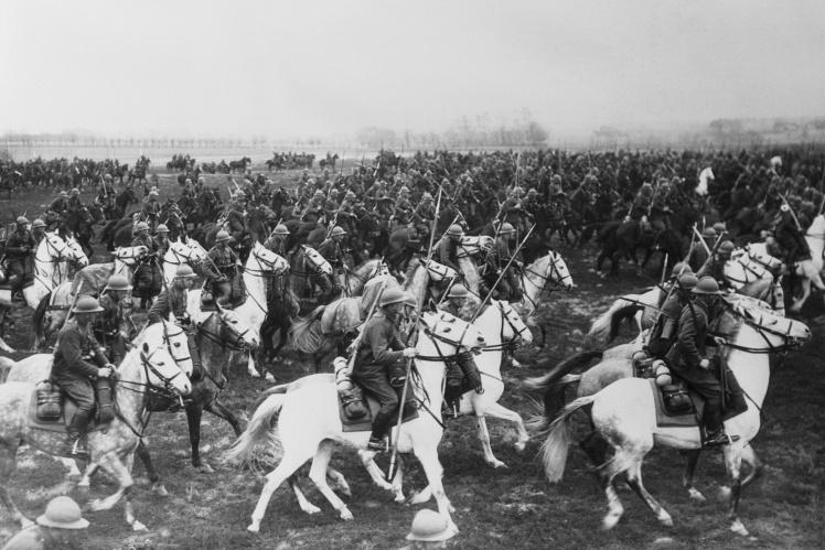 На фото: польська кавалерія виступає назустріч німецьким військам, 1 вересня 1939 року.